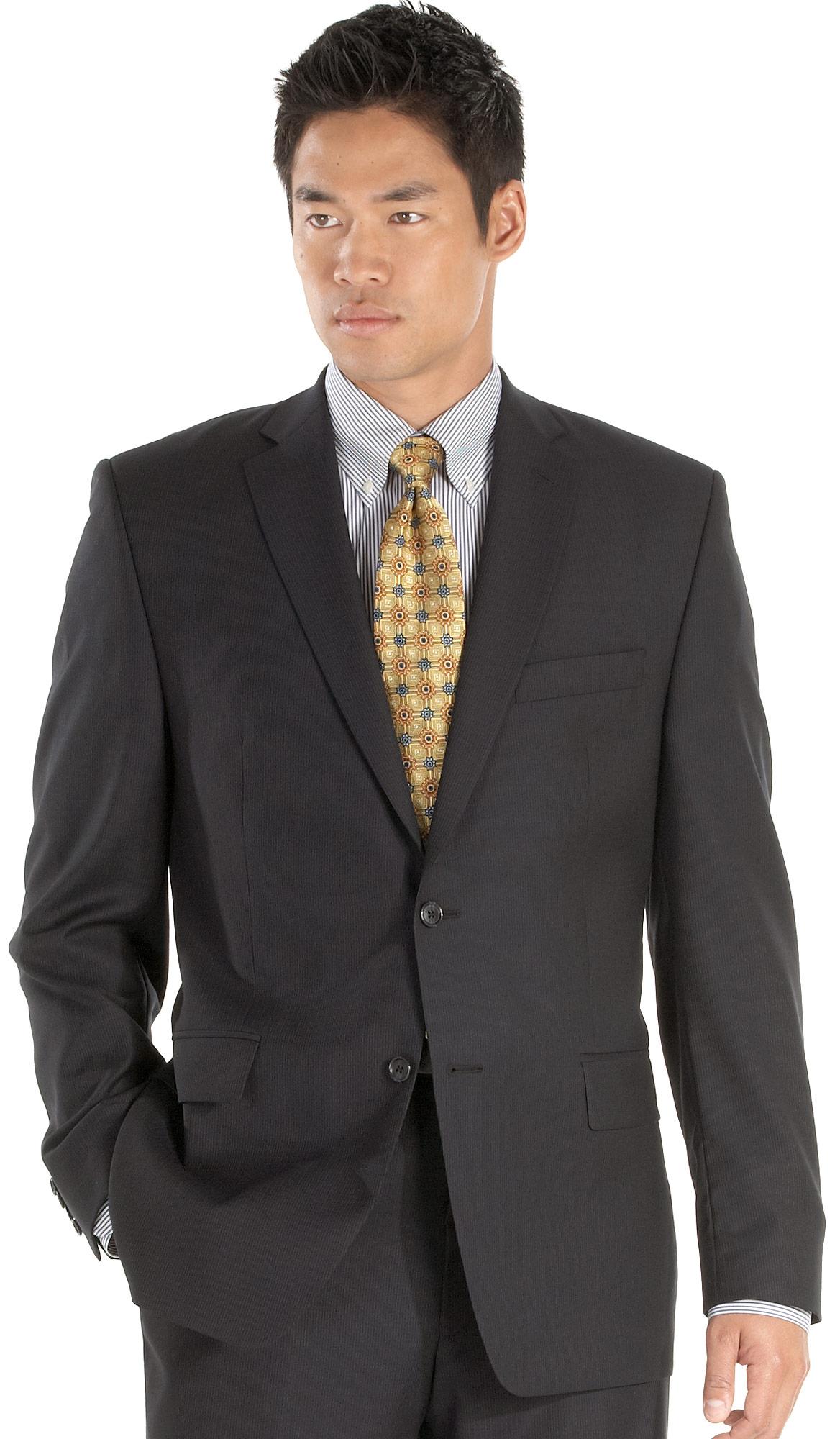 职场西服也能穿出不一样的时尚感。